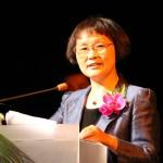 Голова Шанхайської Всекитайської федерації жінок Чжан Лілі вітає Людмилу Скирду